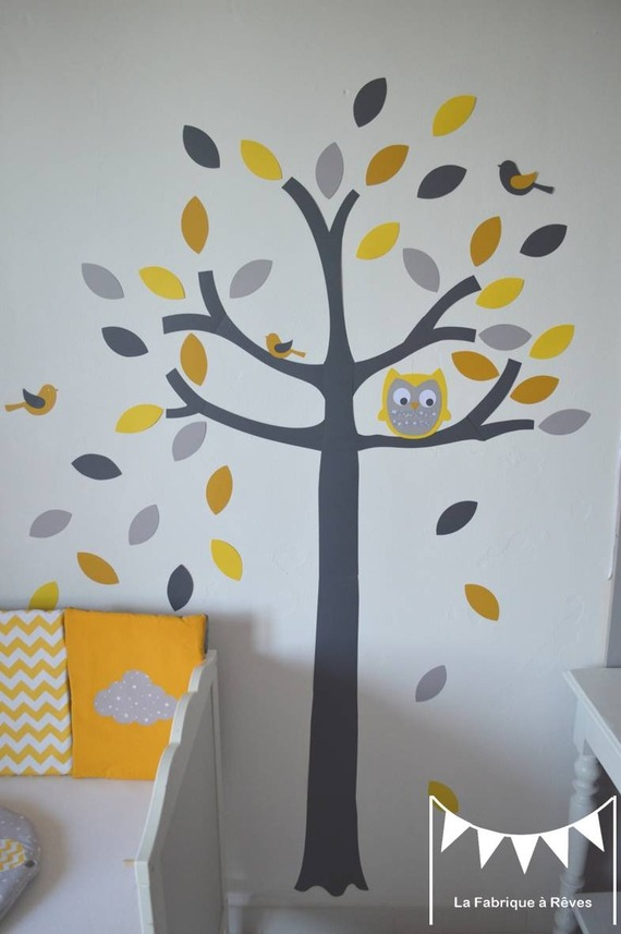 Chambre fille jaune et vert for Decoration chambre bebe jaune et gris