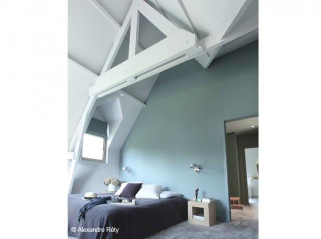 D co chambre plafond haut - Chambre avec plafond en pente ...