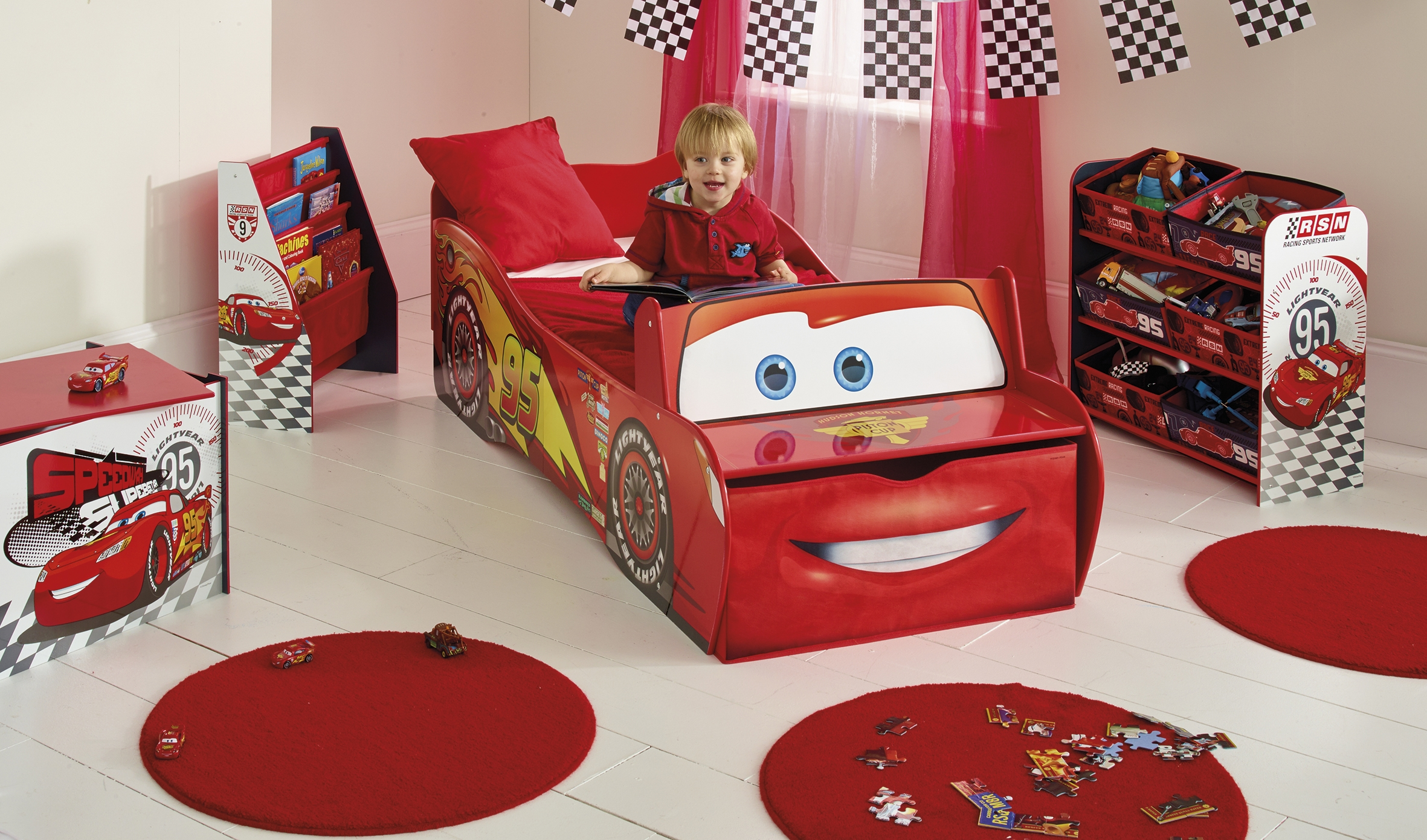 decoration chambre bebe cars