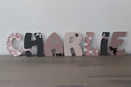 decoration chambre bebe lettre en bois. Black Bedroom Furniture Sets. Home Design Ideas