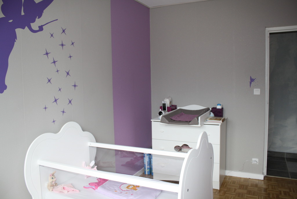 idee peinture chambre bebe fille maison design. Black Bedroom Furniture Sets. Home Design Ideas