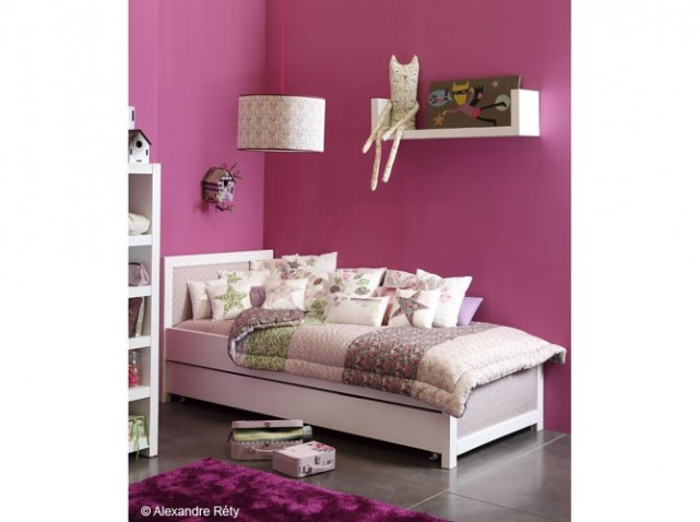 deco chambre fille rose fushia. Black Bedroom Furniture Sets. Home Design Ideas