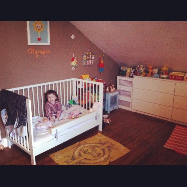 lit pour bebe sans barreaux visuel 8. Black Bedroom Furniture Sets. Home Design Ideas
