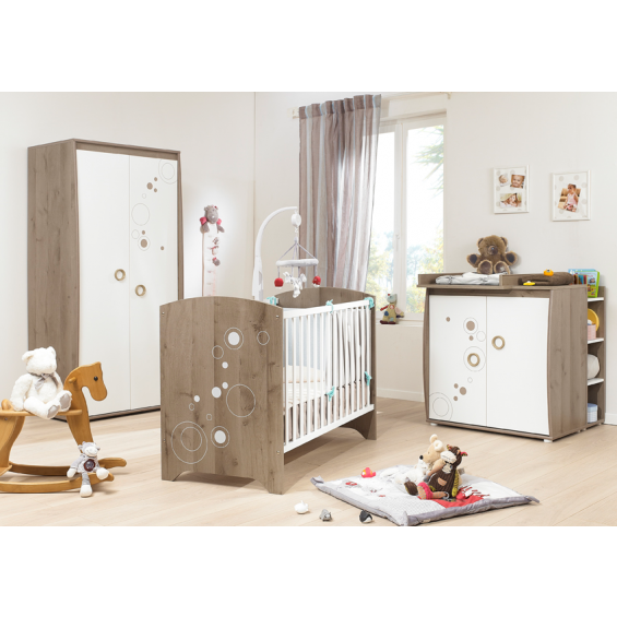 chambre winnie autour de bebe avec des id es int ressantes pour la conception de. Black Bedroom Furniture Sets. Home Design Ideas