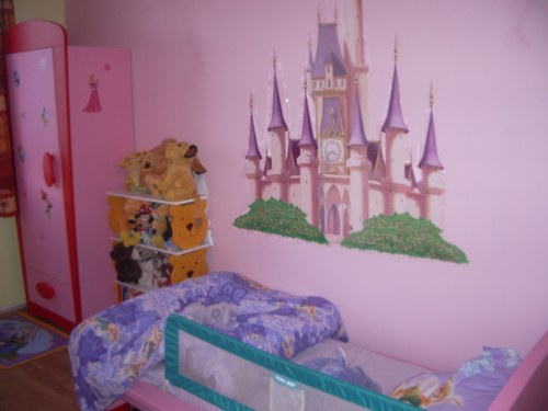 D co chambre princesse disney for Deco princesse chambre