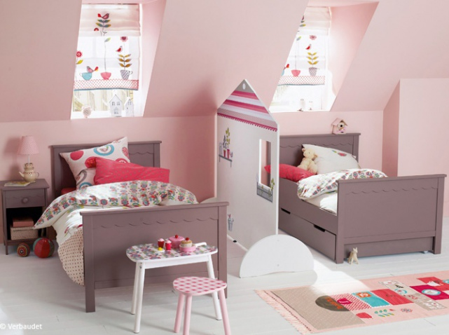 decoration chambre fille 3 ans. Black Bedroom Furniture Sets. Home Design Ideas