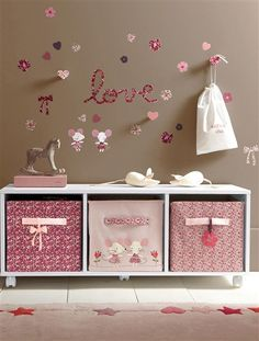 meuble rangement chambre bebe fille visuel 3. Black Bedroom Furniture Sets. Home Design Ideas