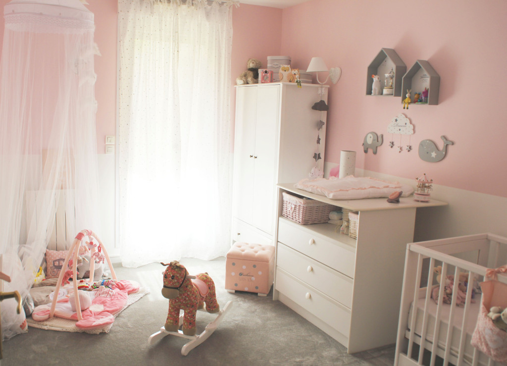 Deco chambre bebe fille princesse visuel 6 for Photo chambre bebe fille