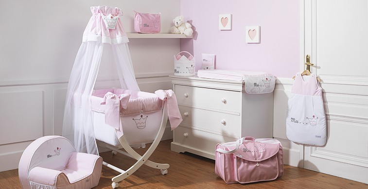 deco chambre bebe fille princesse visuel 7. Black Bedroom Furniture Sets. Home Design Ideas