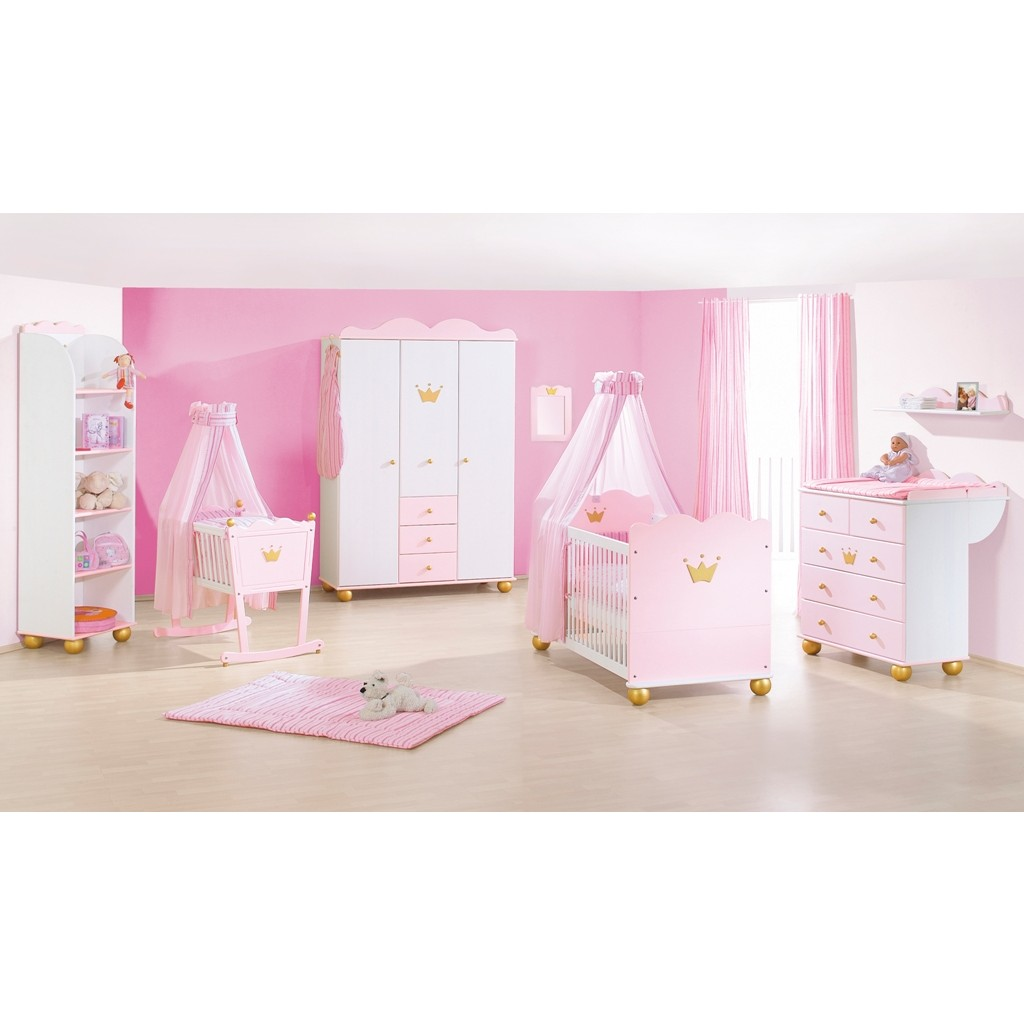 Deco chambre bebe fille princesse visuel 8 for Photo de chambre de bebe fille