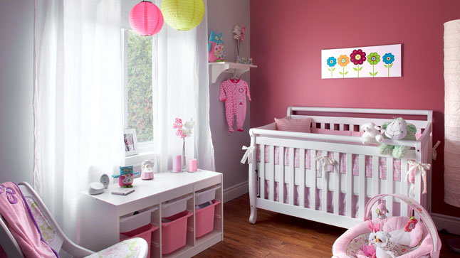 Deco chambre bebe fille rose visuel 9 for Decoration chambre de bebe fille