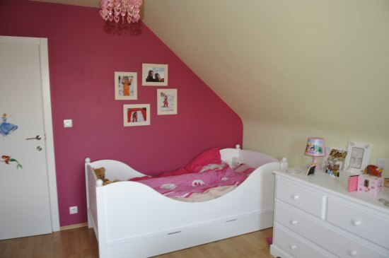 Deco chambre vert et rose design de maison for Chambre fushia orange