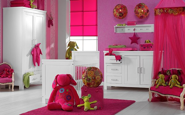 D coration chambre bebe fushia for Decoration maison fushia