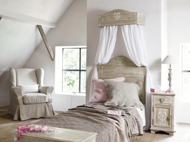 decoration chambre avec ciel de lit visuel 6. Black Bedroom Furniture Sets. Home Design Ideas