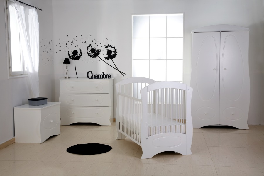 decoration chambre bebe discount visuel 5. Black Bedroom Furniture Sets. Home Design Ideas