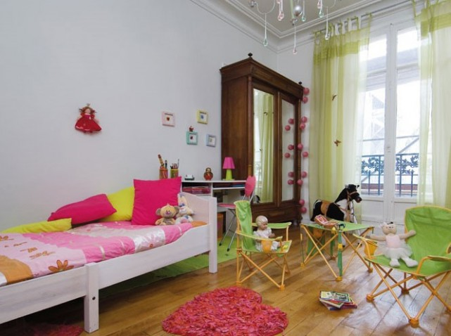 decoration chambre de fille rose et vert. Black Bedroom Furniture Sets. Home Design Ideas