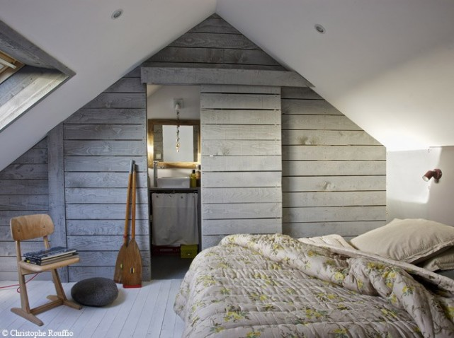 Decoration Interieur Maison En Bois : Attic Bedroom Bathroom