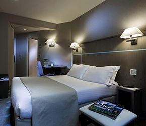 decoration chambre hotel. Black Bedroom Furniture Sets. Home Design Ideas