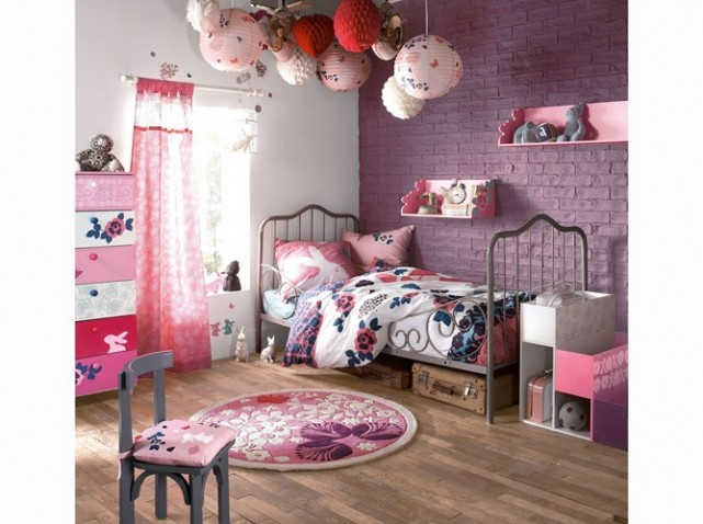 deco chambre petite fille avec des id es int ressantes pour la conception de la. Black Bedroom Furniture Sets. Home Design Ideas