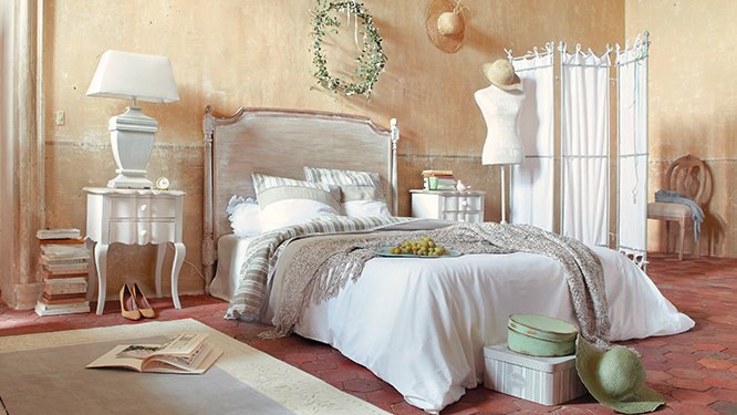 decoration chambre style provencal visuel 8. Black Bedroom Furniture Sets. Home Design Ideas