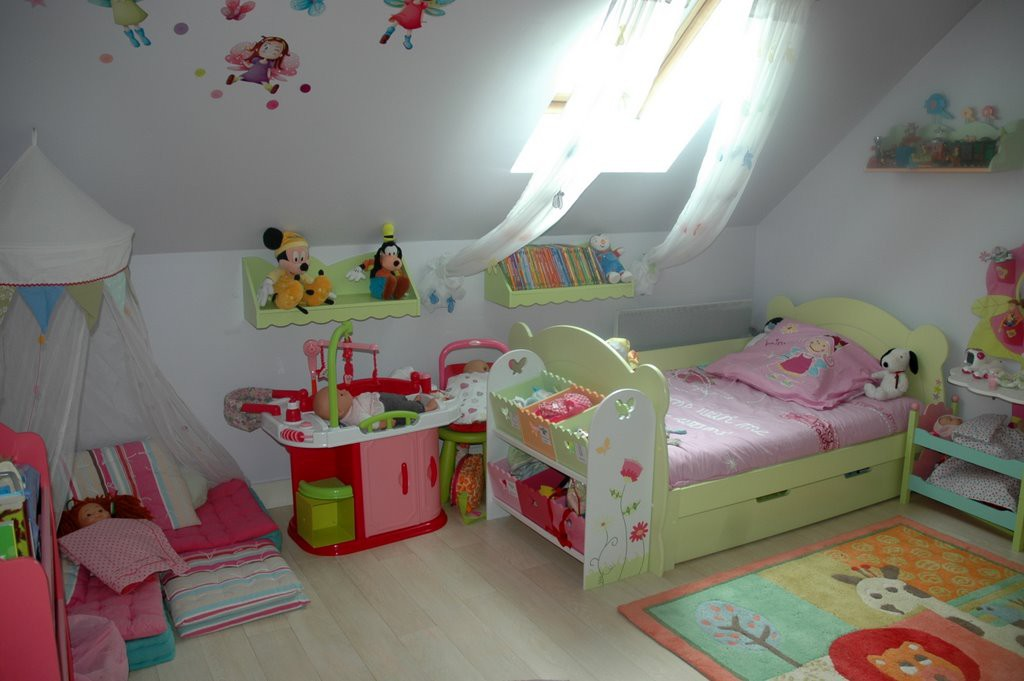 Chambre fille 3 ans photos de conception de maison for Idee deco chambre fille 10 ans