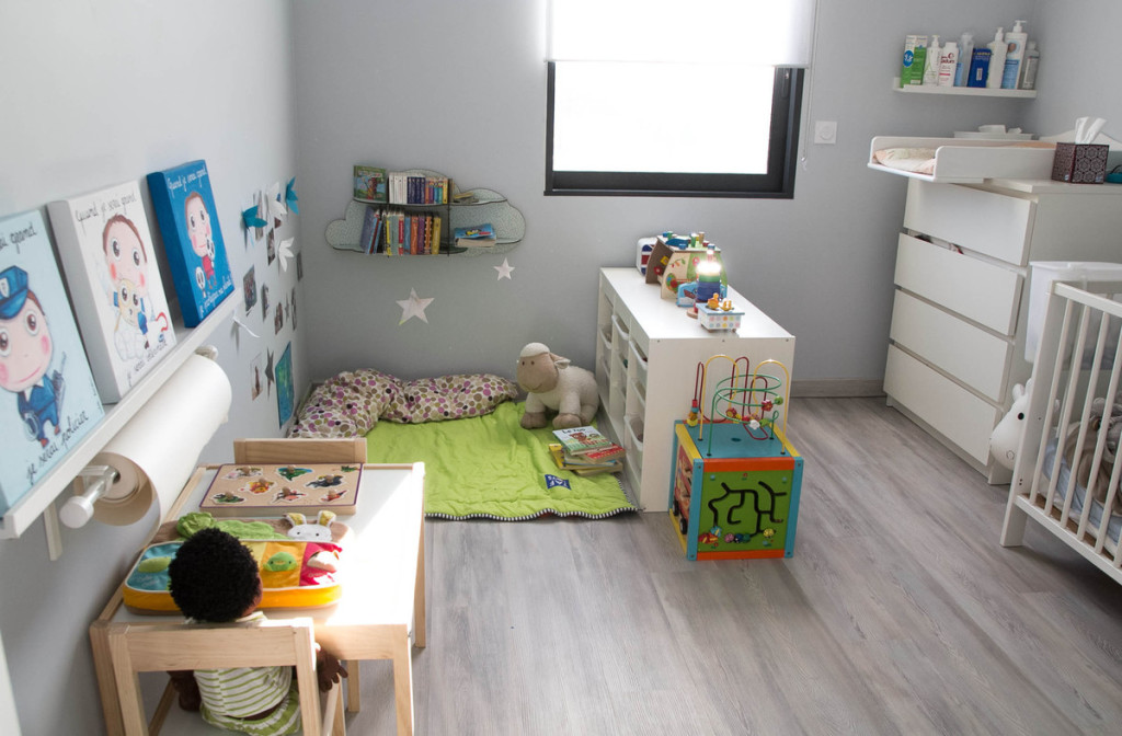 Amenagement chambre bebe montessori visuel 2 for Amenagement chambre