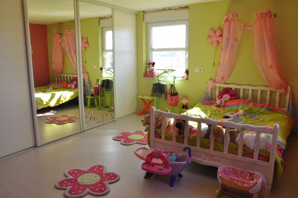 Deco chambre bebe fille rose et vert for Decoration chambre bebe fille photo