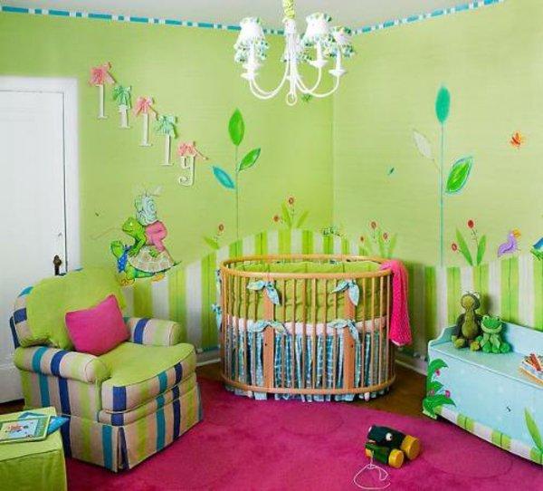Déco chambre bébé vert et rose - Famille et bébé