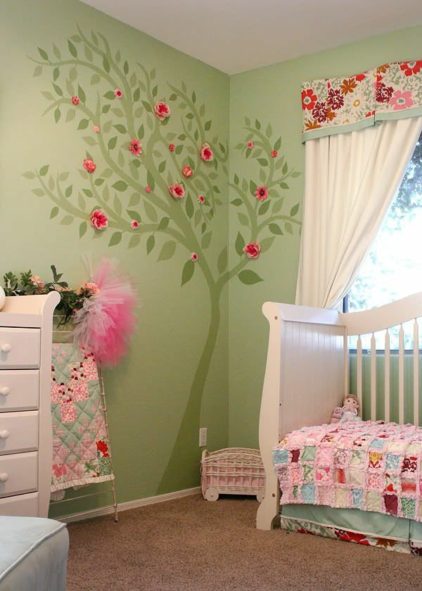 Deco chambre bebe fille rose et vert for Photo decoration chambre bebe fille