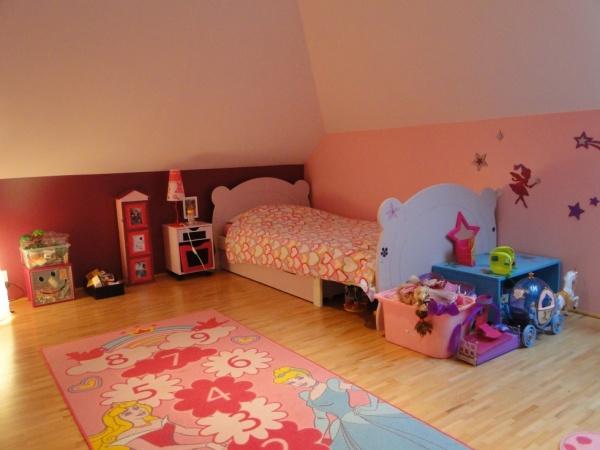 Chambre fille 5 ans photos de conception de maison for Description d une chambre de fille