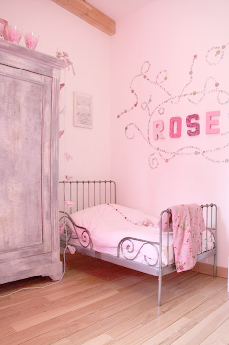 decoration chambre fille rose. Black Bedroom Furniture Sets. Home Design Ideas