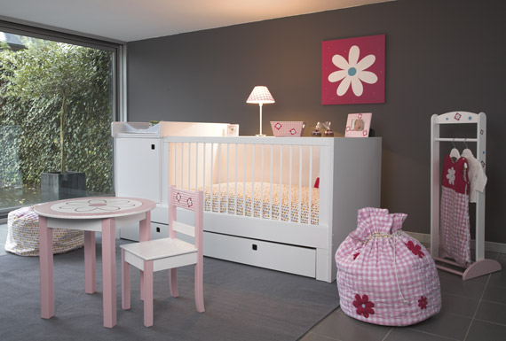 decoration chambre bebe fille gris et rose. Black Bedroom Furniture Sets. Home Design Ideas