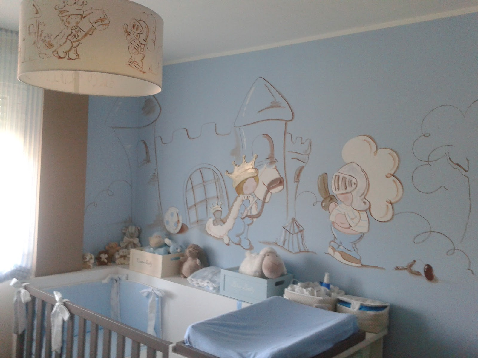 D co chambre fille peinture for Decoration murale chambre fille