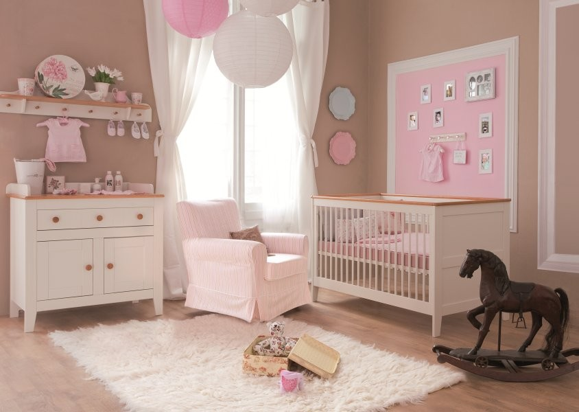 idee de decoration pour chambre de bebe fille visuel 7. Black Bedroom Furniture Sets. Home Design Ideas