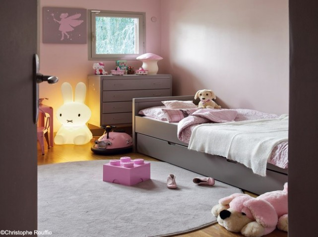 Chambre fille ado rose et gris for Decoration chambre fille
