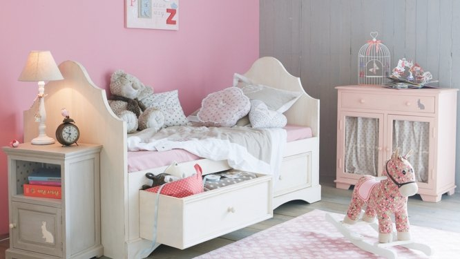 decoration chambre de fille rose visuel 5. Black Bedroom Furniture Sets. Home Design Ideas