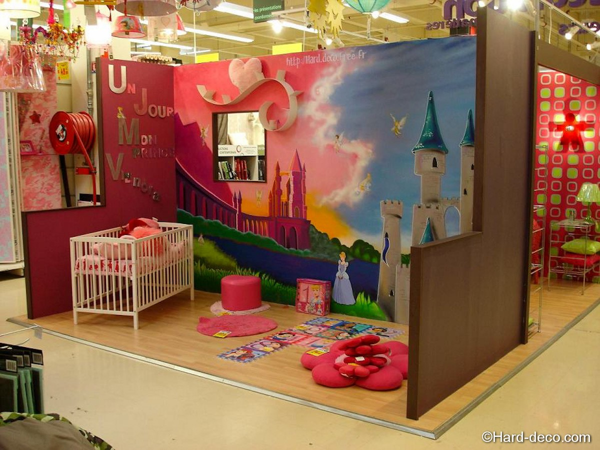 Decoration chambre fille raiponce for Decoration murale chambre fille
