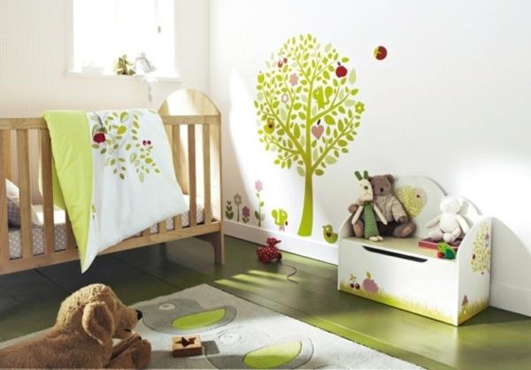 Idee deco chambre bebe verte for Idee chambre bebe mansardee