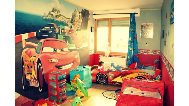 Chambre ado theme voiture 075930 la for Decoration maison automobile