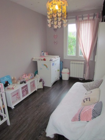deco chambre fille beige et rose. Black Bedroom Furniture Sets. Home Design Ideas