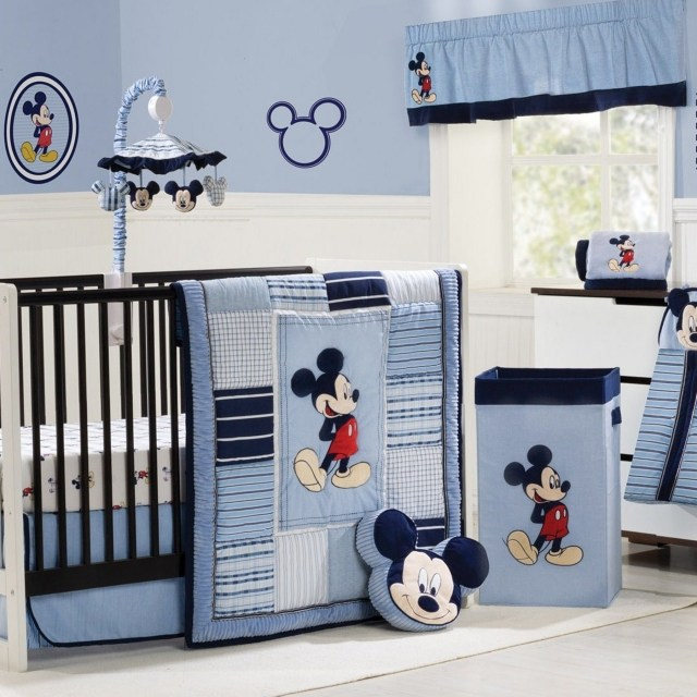 decoration chambre bebe mickey
