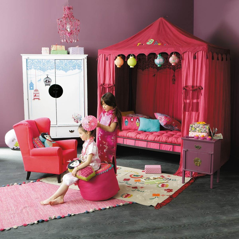 Decoration chambre fille japonais visuel 1 for Decoration 1 an fille