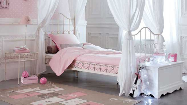 deco chambre ado fille romantique. Black Bedroom Furniture Sets. Home Design Ideas