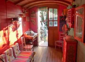 Deco chambre roulotte visuel 2 - Deco roulotte gitane ...