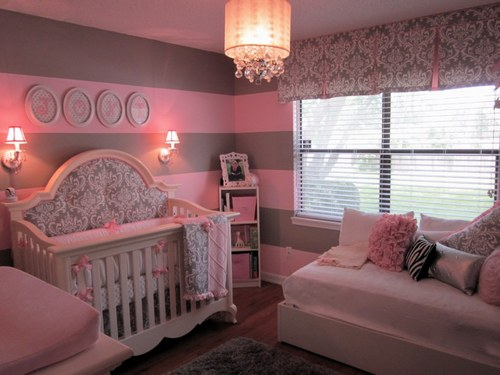Chambre bebe fille taupe rose for Idee deco chambre bebe fille forum