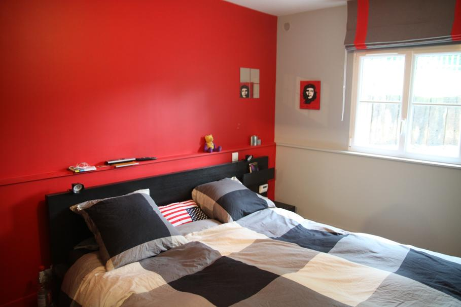 chambre blanc rouge et noir. Black Bedroom Furniture Sets. Home Design Ideas