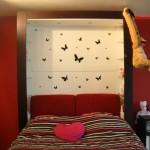 decoration chambre rouge et blanc