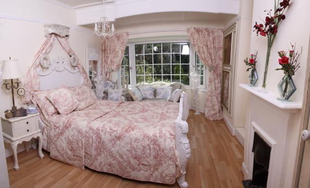 décoration chambre avec toile jouy