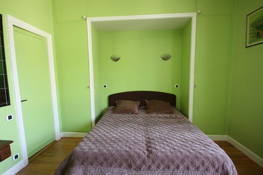 decoration chambre vert et marron - visuel #8
