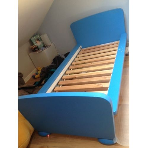 matelas lit evolutif ikea lit vikare ikea excellent ikea sundvik toddler bed cribs ikea. Black Bedroom Furniture Sets. Home Design Ideas